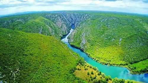 krka waterfalls private tour through Krka National Park river canyon