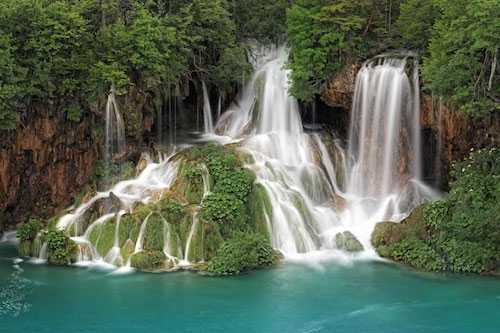 SPLIT TO ROVINJ PRIVATE TRANSFER WITH PLITVICE LAKES PARK