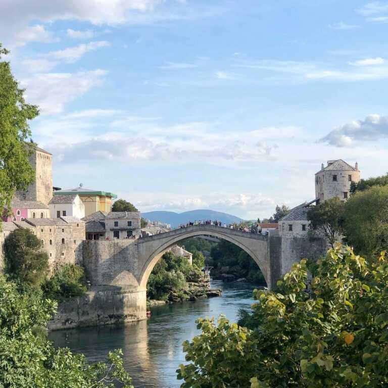 Split Mostar Sarajevo transfer with local driver guide