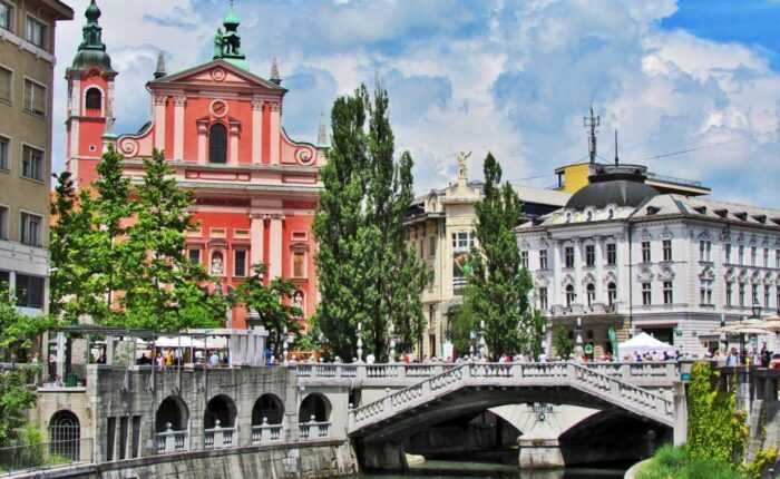 Ljubljana and lake bled driver-guide for Slovenia day trip from zagreb