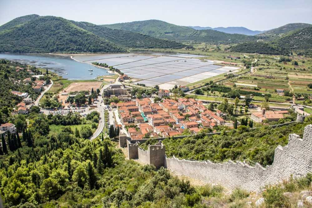 Split Dubrovnik Private Transfer - visit Ston on route