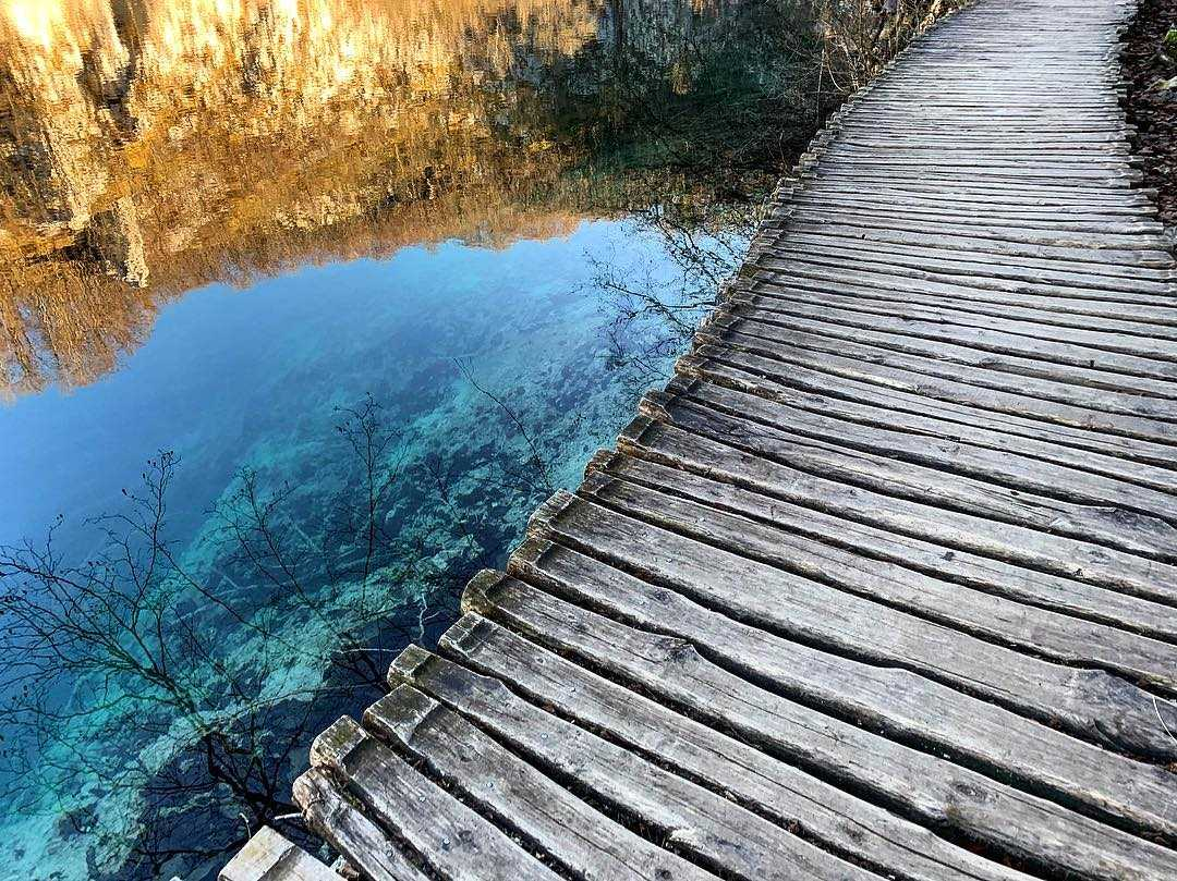 Plitvice Lakes Private Tour from Split and driver-guide split to plitvice lakes