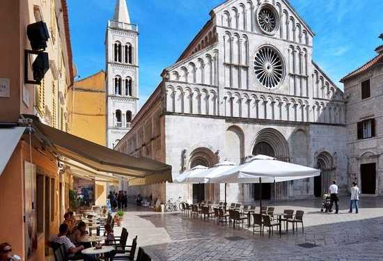 driver-guide zagreb to zadar private transfer
