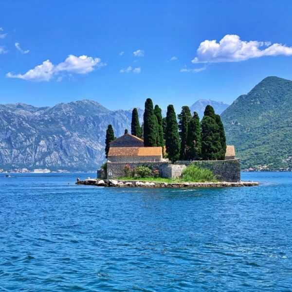 montenegro private tour and visit to st lady of rocks